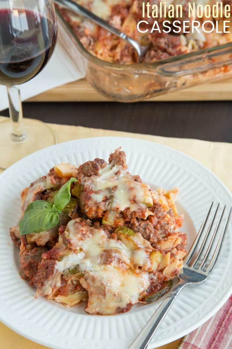 Italian Noodle Casserole - with layers of creamy noodles, meaty sauce and bubbly cheese, this is a lightened up version of a classic pasta bake recipe. This is comfort food for an easy family dinner, and you can even use gluten free noodles. #cupcakesandkalechips #pasta #casserole #glutenfree #comfortfood #noodles #groundbeef #easyrecipe #familyfriendly