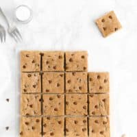 Healthy One-Bowl Flourless Chocolate Chip Peanut Butter Cookie Bars