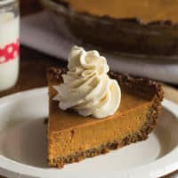 Pumpkin Pie with Molasses Quinoa Crust