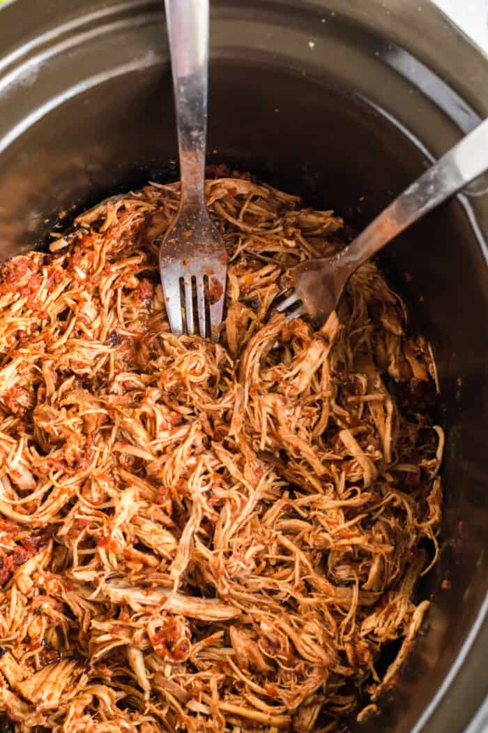 Mexican shredded chicken in slow cooker